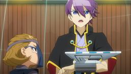 Ranze watches as Gakuto makes his move.